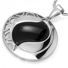 Circle pendant with black agate