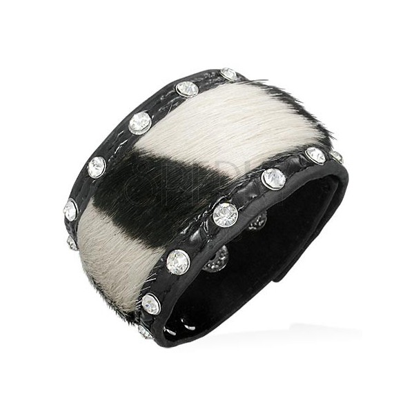 Leather bangle with striped fur and zircons