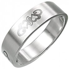 Stainless steel ring with heart ornament