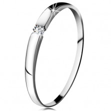 Diamond ring made of white 14K gold - brilliant in clear colour, slightly protruding shoulders