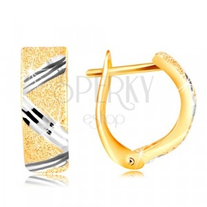 14K gold earrings - sparkling gritted surface with zig-zag line of white gold