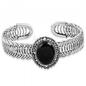 Lithe steel bracelet - oval ornament with black stone, spiral