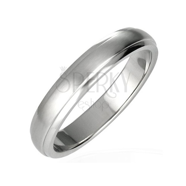 Stainless steel ring with protruding middle part